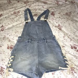 Jean overalls (short with ties)